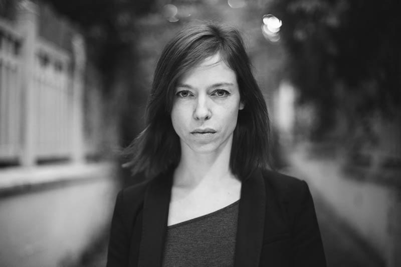 Portrait comédienne Paris Angélique Lika Banshoya